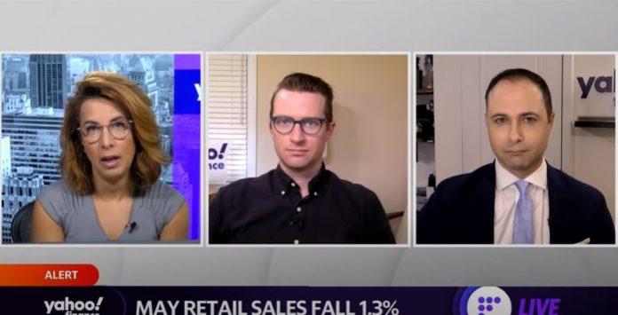 US retail sales decline after 2 months of gains